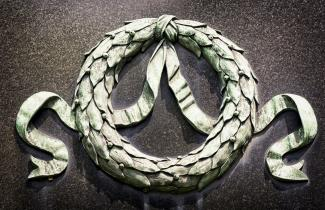 wreath headstone
