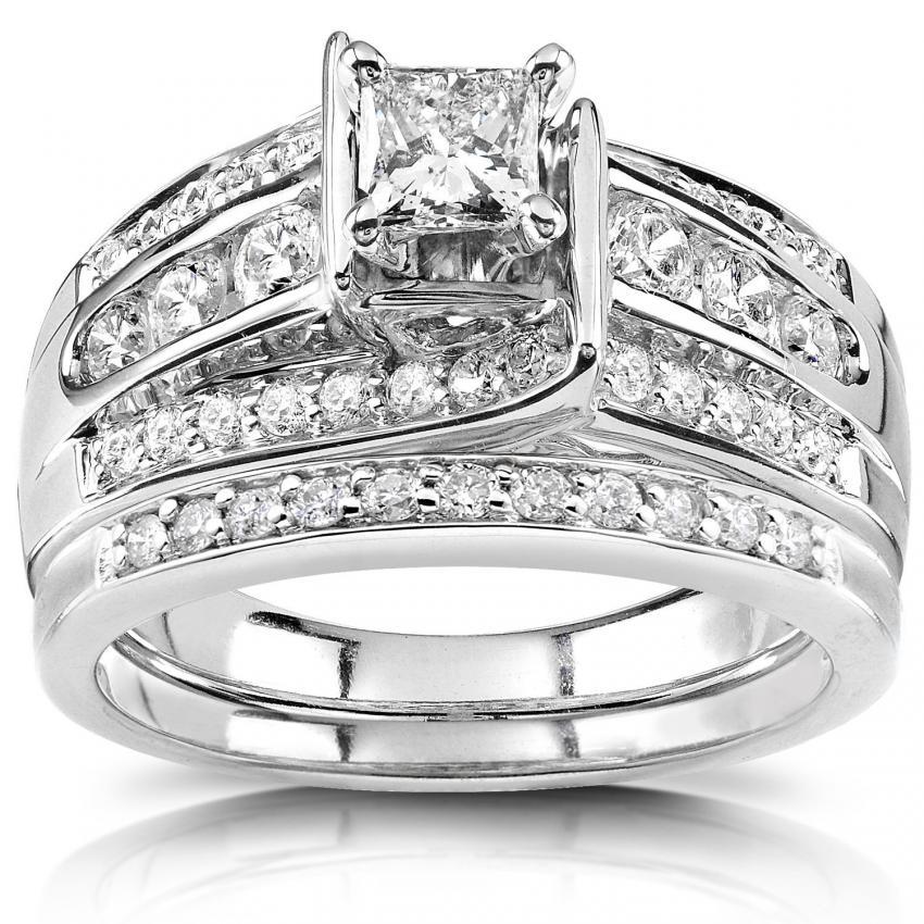 Big Diamond Platinum Engagement Rings