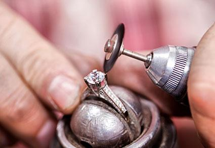Clean Diamond Ring Oil