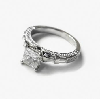 princess cut engagement ring.