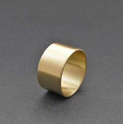 solid gold wedding rings