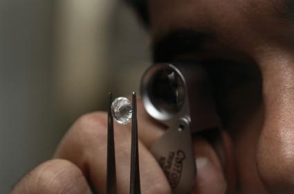 checking diamond quality