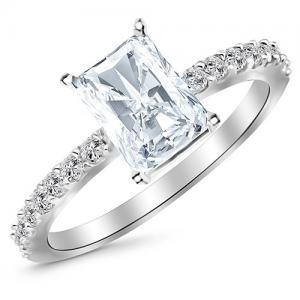 Diamond Engagement Ring with 0.74 Carat Radiant Cut H Color VS2 Clarity Center Stone