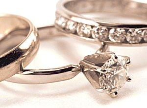 History of engagement and wedding rings