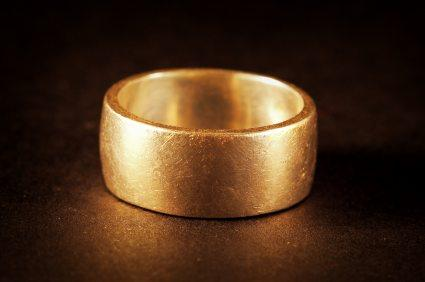 gold in typical wedding ring