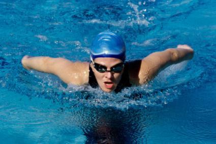 Swimmer using the breaststroke