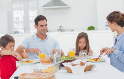 Family eating pasta
