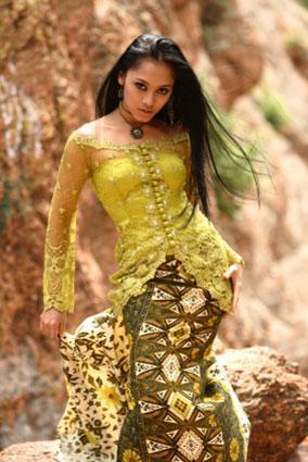 Woman wearing batik.