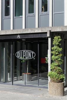 Du Pont offices