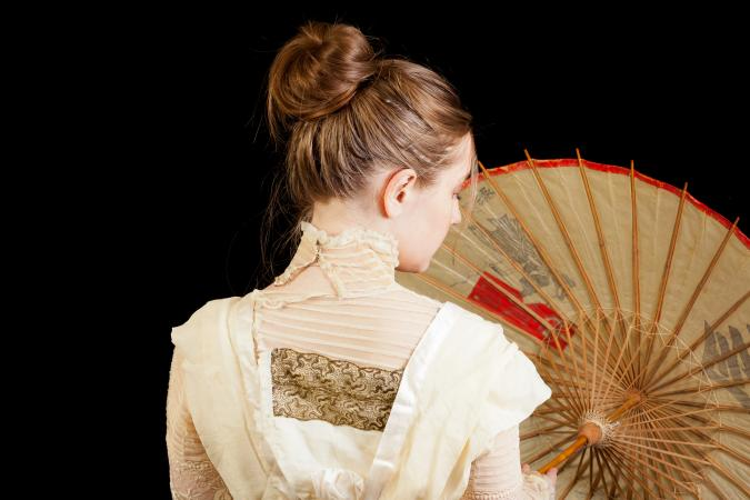 Victorian woman with Chinese parosol