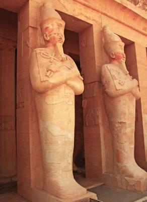 Hatshepsut statue at Hatshepsut temple, Deir-el-Bahri, Egypt