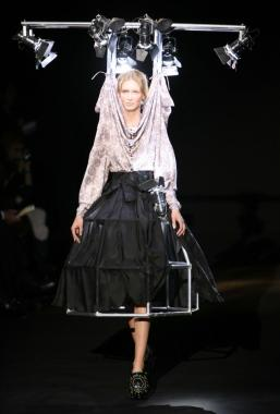 Paris Fashion Week Fall/Winter 2007 - Viktor and Rolf