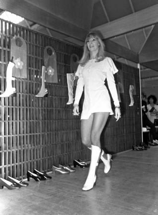 Gladiator dress seen at Mary Quant fashion show, Utrecht, 24 March 1969
