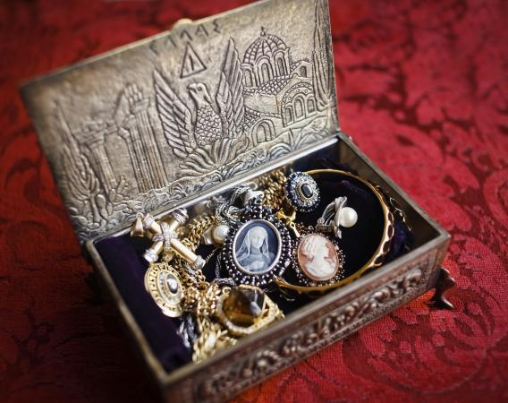 antique jewelery box