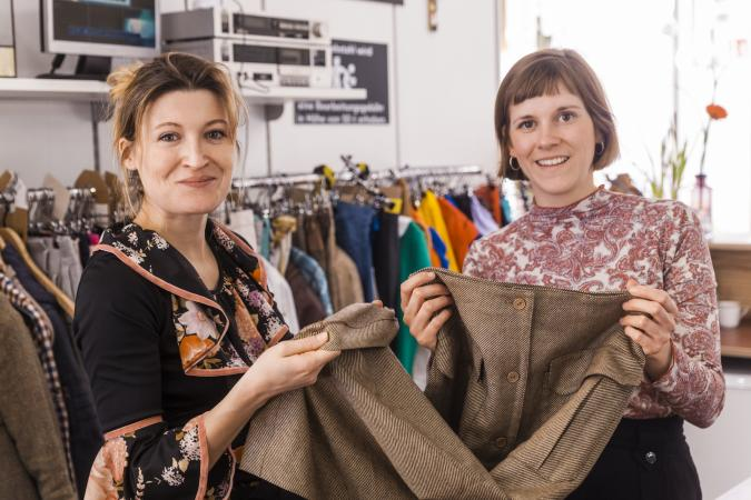 Women in a second hand shop