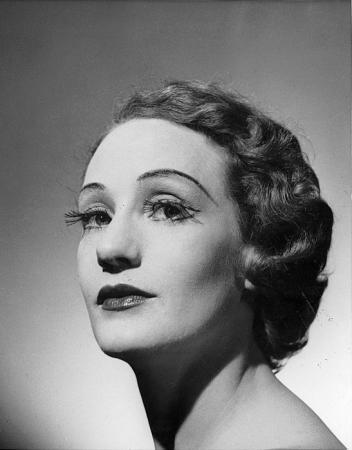 Portrait of Laurel Martyn, 1952