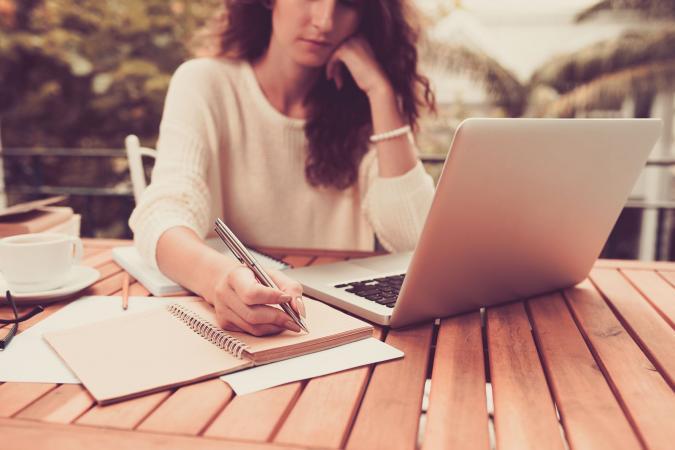 earn money writing short stories online