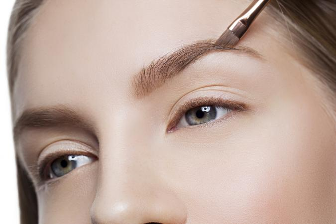 Correcting eyebrows