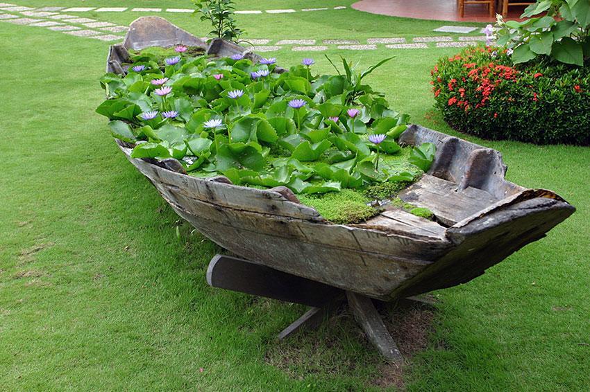 Unusual landscape design ideas slideshow for Garden design troller boat