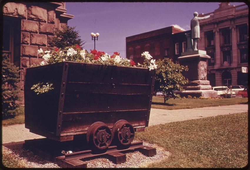 Coal car planter