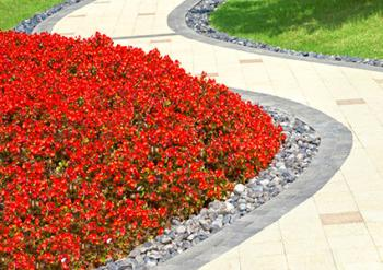 Flower Bed Edging Ideas | LoveToKnow