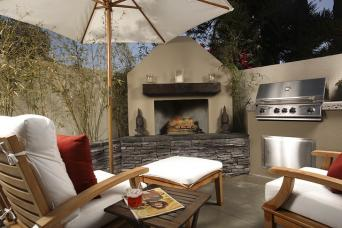 backyard kitchen patio