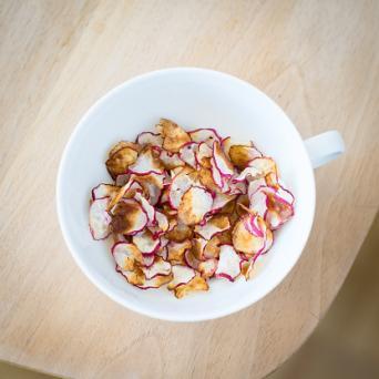 Homemade radish chips