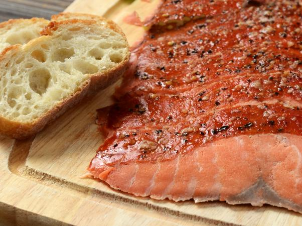 Smoked salmon and bread