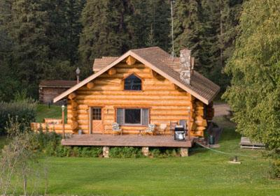 Log homes energy efficiency lovetoknow for Home builders alaska