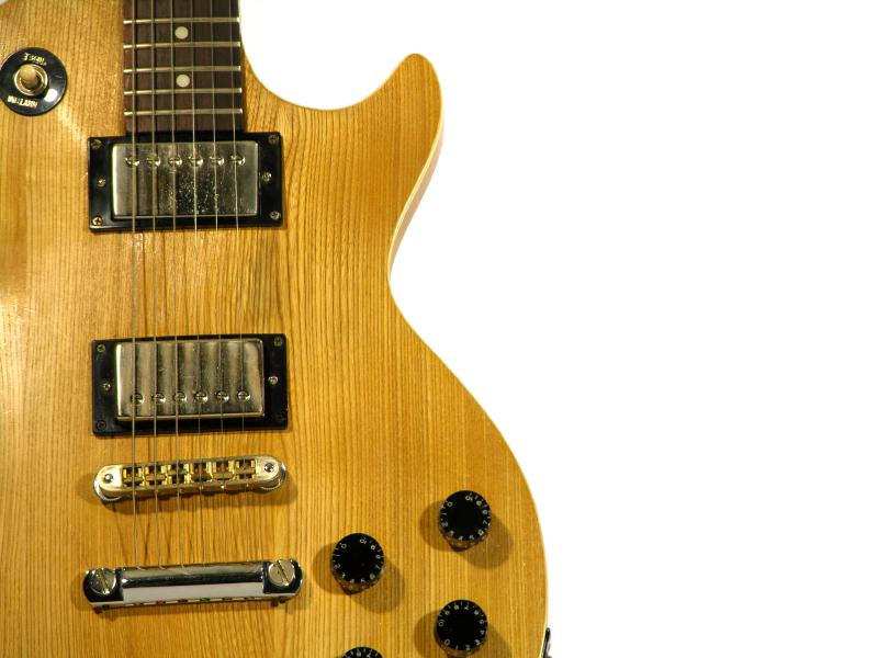 How Does an Electric Guitar Work? [Slideshow]