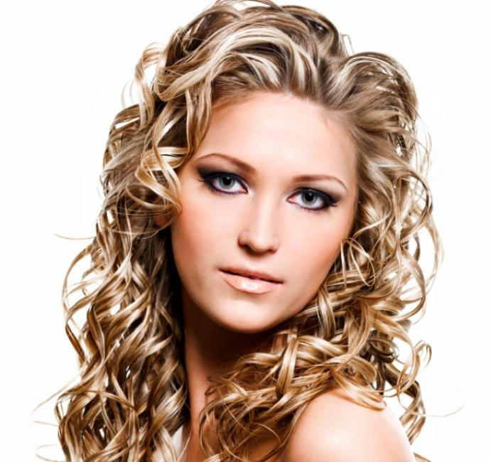 Hair highlights gallery lovetoknow hair highlights pmusecretfo Image collections