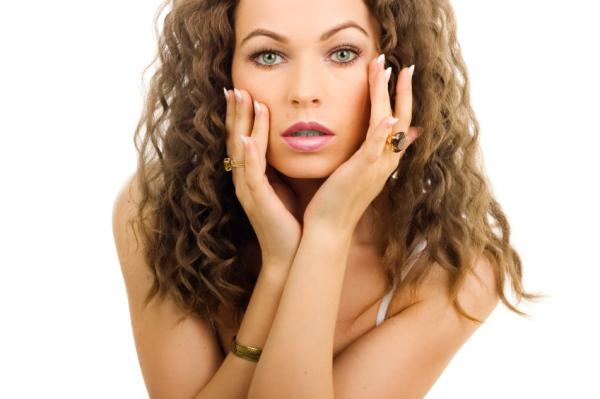 Beautiful Long Perm Hairstyle with Curly Hair for Women in 2011