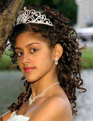 Quinceanera Hairstyles For Long Hair With Tiara : Quinceanera Hairstyles For Long Hair With Curls And Tiara A womanly ...