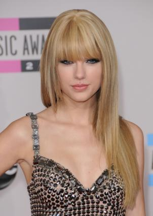 taylor swift straight hair photo shoot. Taylor Swift