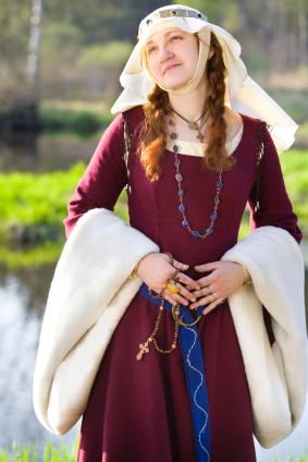 women in medieval europe Information on medieval clothing for costumers  while women wore long gowns with sleeveless tunics and  diamonds became popular in europe in the.