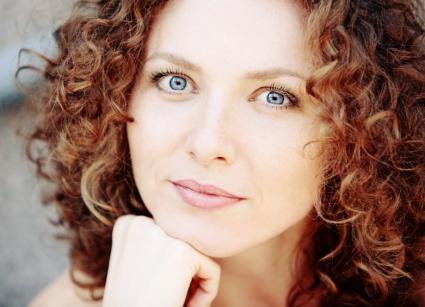 Wondrous Medium Curly Hair Styles Hairstyles For Women Draintrainus
