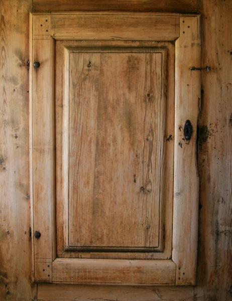 old-fashioned cabinetry - Cabinet Door Styles