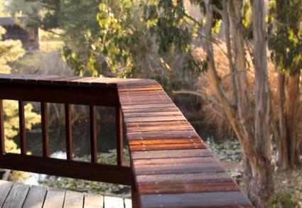 Wide deck railing