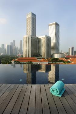 rooftop deck infinity pool