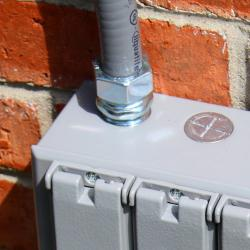 3.5 inch connector in use