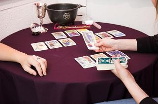 The different spreads in tarot.