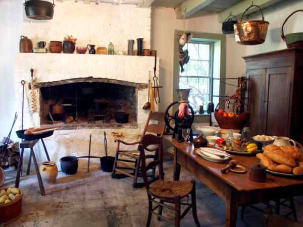 Information About Colonial Kitchens