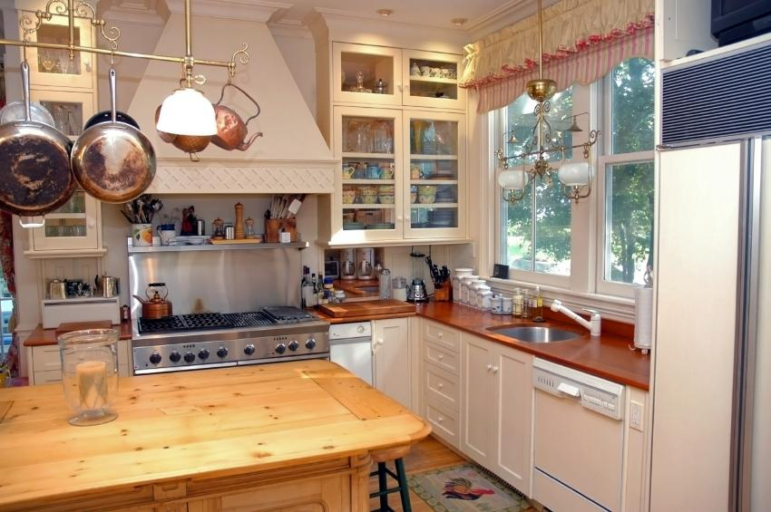 The Kitchen Is An Ideal Place To Showcase Country Style Decorating