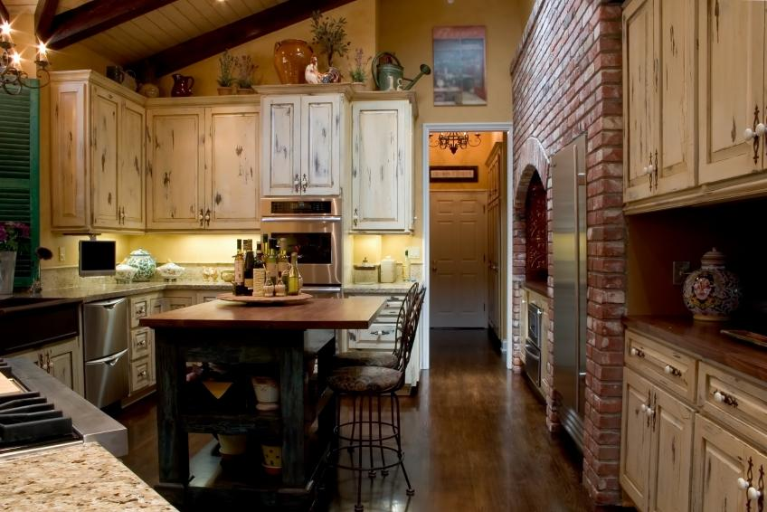 Colonial kitchen pictures slideshow for Kitchen designs american style