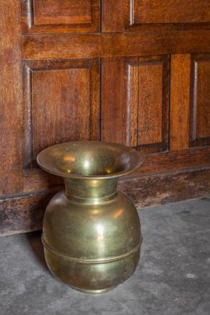 Spittoon Used Table And Chairs For