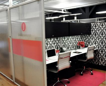 Office cubicle d cor for Cool things for your cubicle