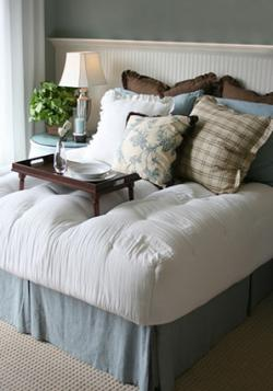 Bed with fitted comforter