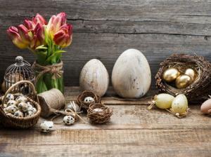 spring/Easter vignette