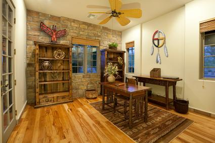 Native american style home d cor for American house interior decoration