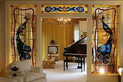 Elvis Living Room In Graceland Mansion